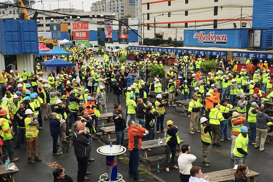 In Washington, D.C., Skanska joined more than 20 other construction companies, vendors, affiliated organizations and some 400 trade workers for a joint Safety Week event that included Stretch and Flex, daily exercises that help eliminate soft tissue injuries.