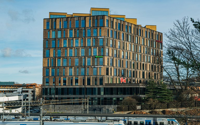 Skanska divests the office building Solna United in Solna, Sweden, for about SEK 3.3 billion