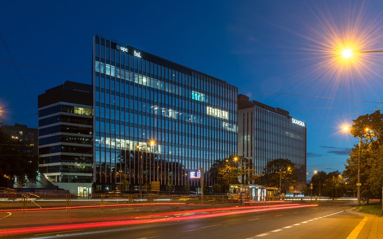 Skanska sells office building in Warsaw, Poland, for EUR 70 M, about SEK 720 M
