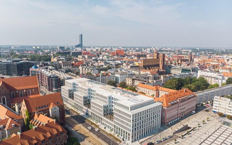 Skanska sells three office buildings in Poland for EUR 214 M, about SEK 2.3 billion
