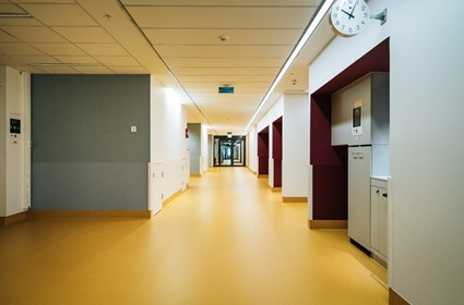 Corridor over intensive care – Photographer Kristoffer Marchi